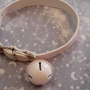 Kitty cat choker with a bell